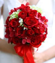 Đặt hoa cưới đẹp, hoa cầm tay cô dâu đẹp