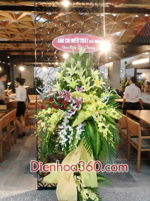 dat hoa khai truong nha hang (1)