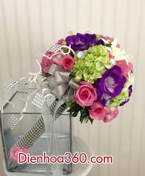 Hoa để bàn đám cưới