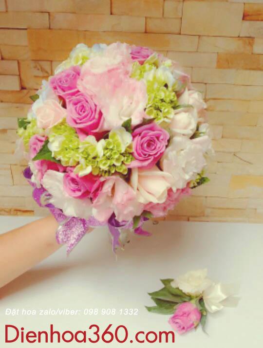 Cách cắm hoa cưới cầm tay