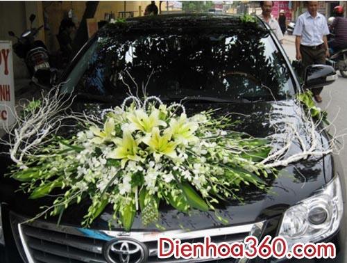Xe hoa cô dâu đẹp giá rẻ-màu trắng vàng