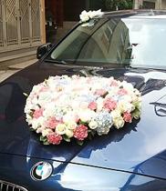 Xe hoa cưới hình tim