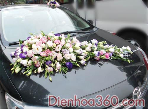 Mẫu xe hoa cưới tông màu trắng tím-lan tường hồng tím