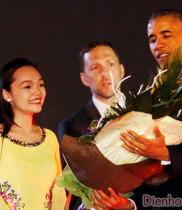 Tặng hoa tươi cho tổng thống Obama, bó hoa tặng tổng thống Obama, hoa tươi, hoa chúc mừng