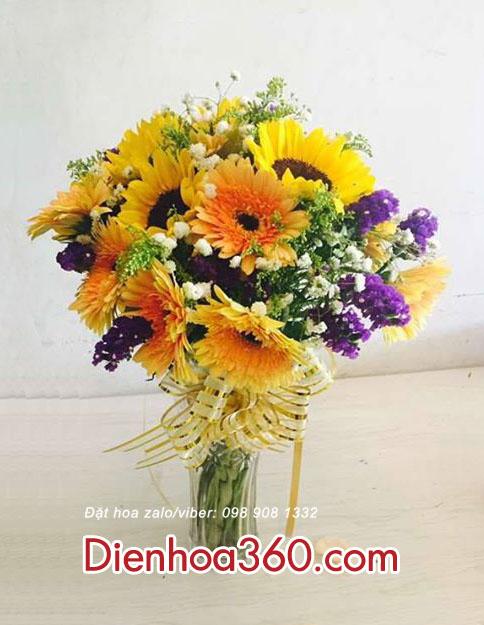 Bình hoa tươi giá rẻ