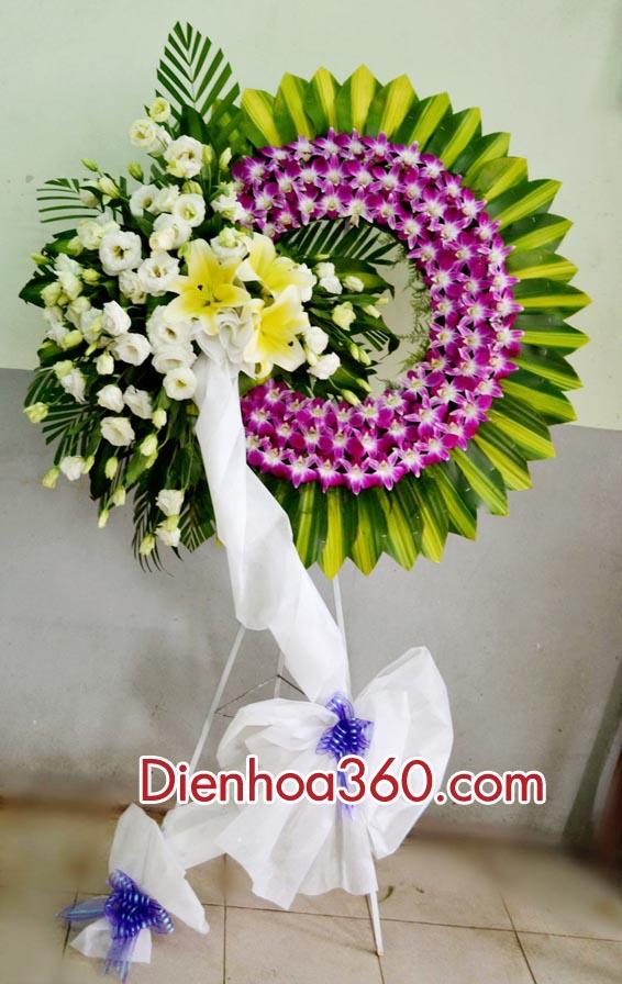 Vòng hoa chia buồn – mẫu hoa chia buồn đẹp