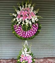 Vòng hoa chia buồn đẹp – hoa lan ly