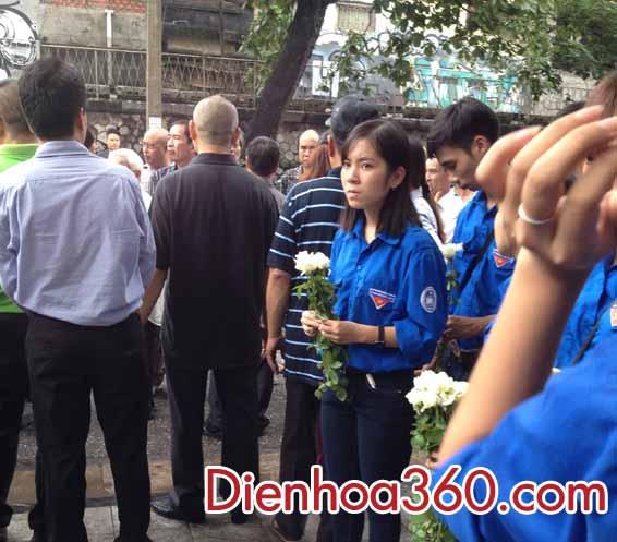 hoa vieng dam tang nghe si han van tinh (1)
