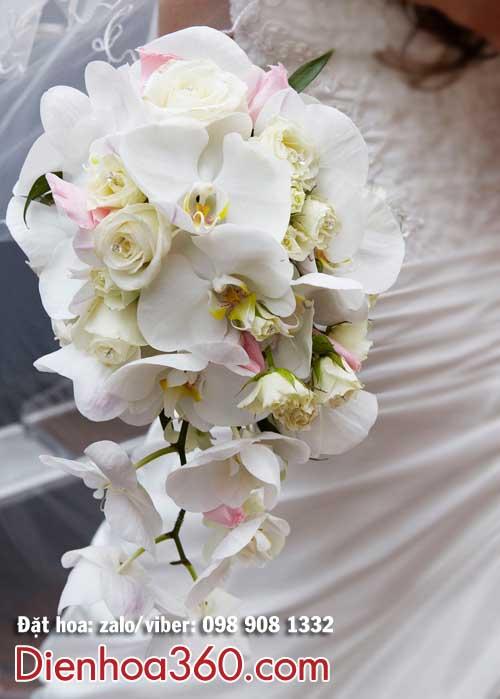 Hoa cầm tay cô dâu lan hồ điệp đẹp