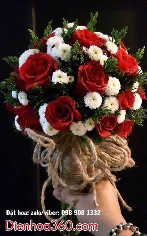 Hoa cưới hồng đỏ giá rẻ