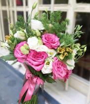 Hoa cưới phong cách mới