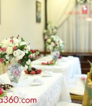 Dùng hoa tươi tráng trí đám cưới tại nhà đẹp và đơn giản