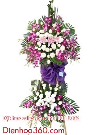 Vòng hoa viếng nhà tang lễ Đức Giang Long Biên