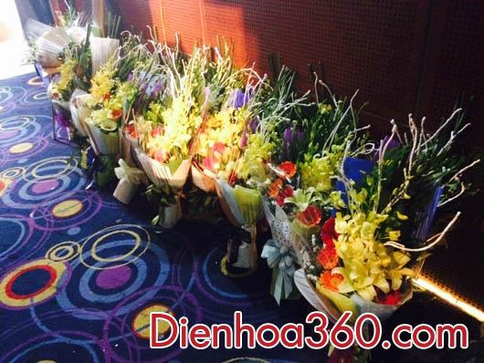 bo hoa gia re, hoa tang doanh nhan