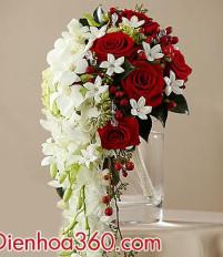 Nguồn gốc ý nghĩa việc tung hoa cưới
