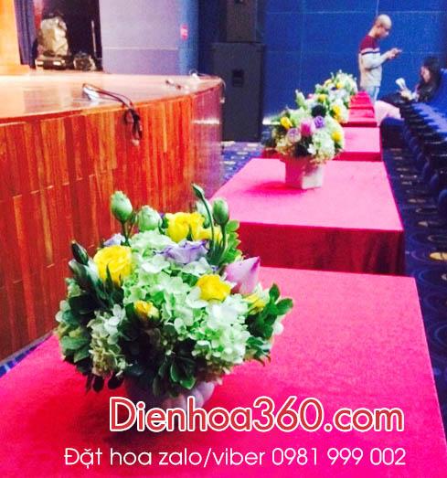 Hoa để bàn, mẫu hoa để bàn, hoa bàn lễ tân, hoa bàn vip