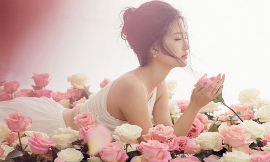 hoa tươi, gái xinh và hoa