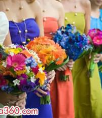 Mẫu hoa cưới hoa cầm tay cô dâu tone màu rực rỡ