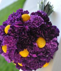 Bó hoa cưới cầm tay màu tím đẹp