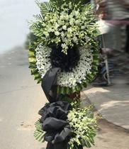 Vòng hoa tang lễ, hoa dám tang
