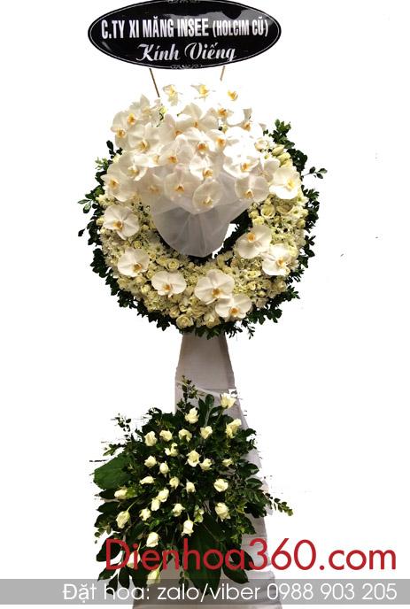 Vòng hoa viếng tang lễ lan hồ điệp