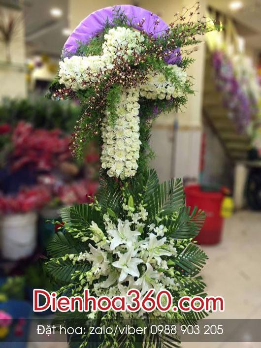 hoa tang lễ hình thánh giá công giáo