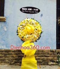 Vòng hoa chia buồn là hoa cúc tiễn đưa người mất
