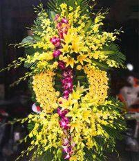 Đặt hoa viếng tại nhà tang lễ số 5 Trần Thánh Tông bệnh viện 108
