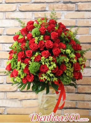 Bình hoa hồng đỏ tặng sinh nhật
