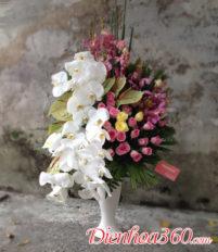 Bình hoa tặng sinh nhật một món quà ý nghĩa cho người thân
