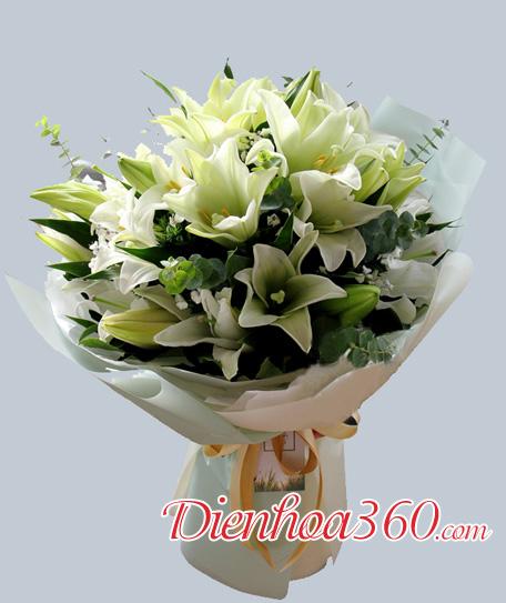 Bó hoa loa kèn đẹp