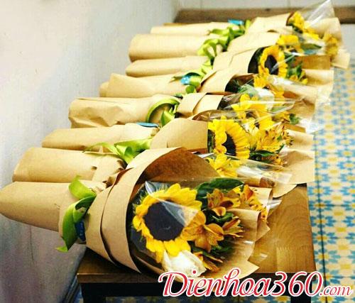 Mẫu hoa tặng hội nghị đại biểu