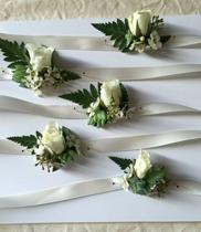 Hoa đeo tay múa