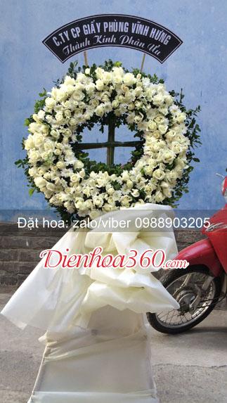vòng hoa viếng nhà tang lễ cầu giấy