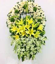 Đặt hoa chia buồn nhà tang lễ Cầu Giấy