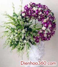 Vòng hoa viếng đám tang nhà tang lễ 125 Phùng Hưng bao nhiêu tiền