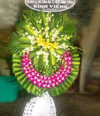 Đi phúng viếng nên đặt hoa tang lễ màu trắng hay màu tím?