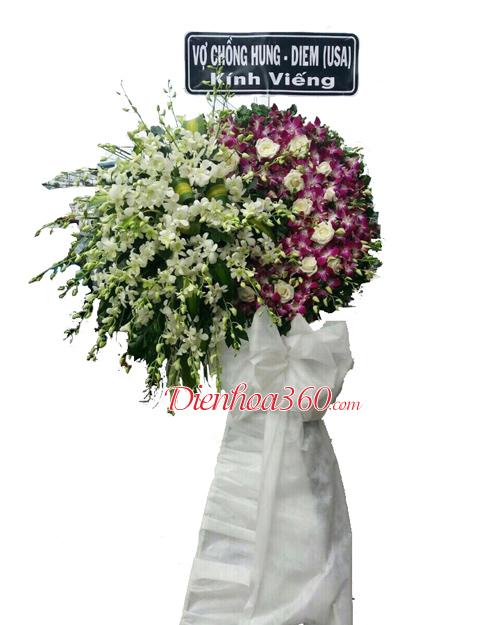 Vòng hoa viếng đám ma nhà tang lễ bệnh viện Thanh Nhàn
