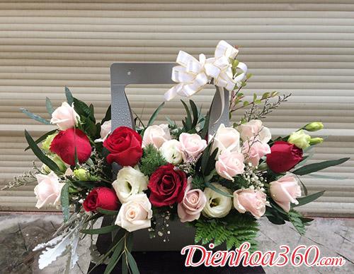 Giỏ hoa xách tay, hoa tặng sinh nhật