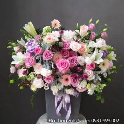 Lãng hoa để bàn hoa loa kèn đẹp