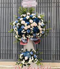 Kệ hoa màu xanh đẹp cho các dịp khai trương chúc mừng