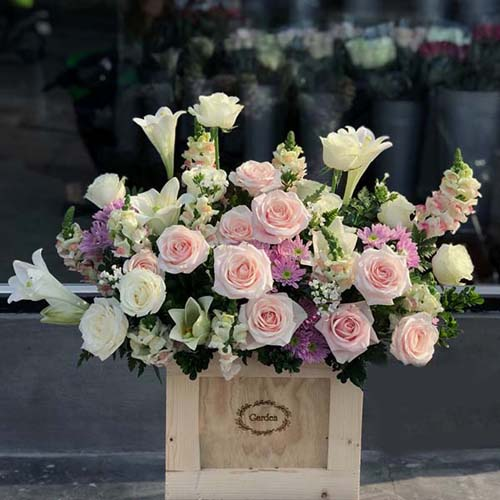 Hoa tặng sinh nhật giỏ hoa loa kèn