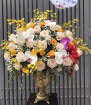 Bình hoa tươi cao cấp chúc mừng