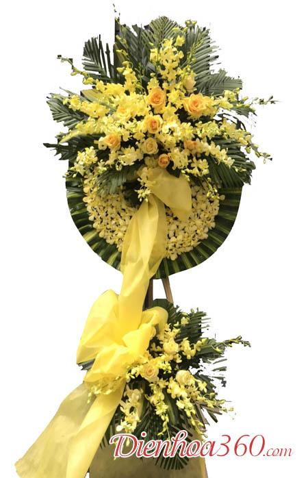 Đặt vòng hoa viếng đám tang Hà Nội