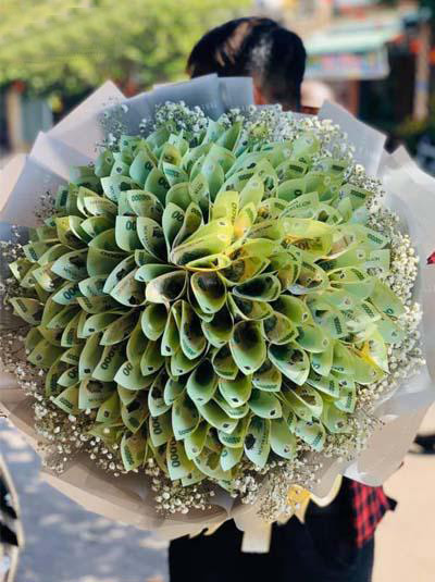 bó hoa bằng tiền 99 tờ 100k
