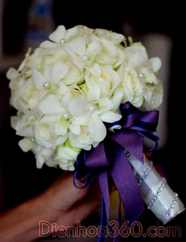 Bó hoa cưới cho cô dâu thích sự đơn giản