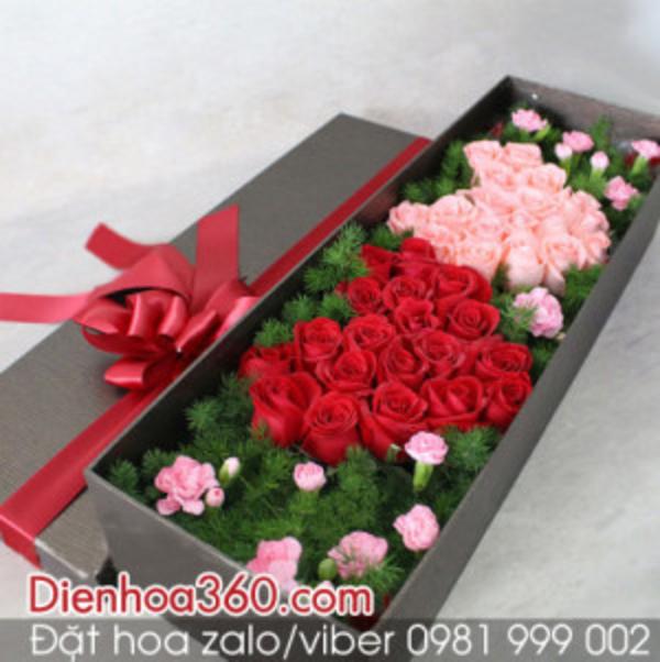 Gợi ý chọn hộp hoa hồng tươi tặng bạn gái nhân ngày kỉ niệm tình yêu