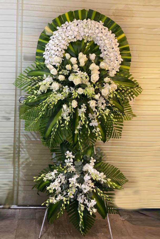 Cách cắm hoa chia buồn đẹp, đơn giản, giàu ý nghĩa