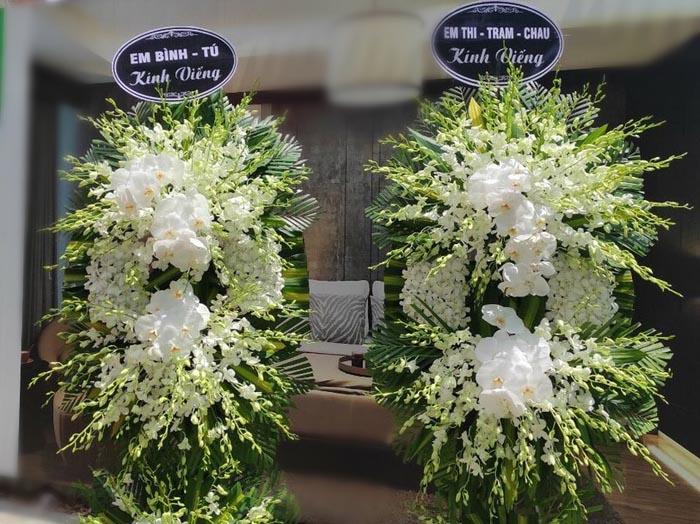 Top 100+ vòng hoa chia buồn đám tang đẹp và sang trọng nhất